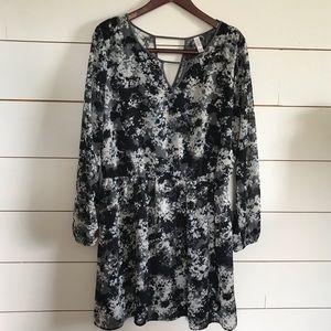 3/$30 Xhilaration V neck long sleeve Dress XXL